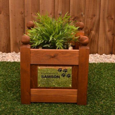 Pet memorial planter